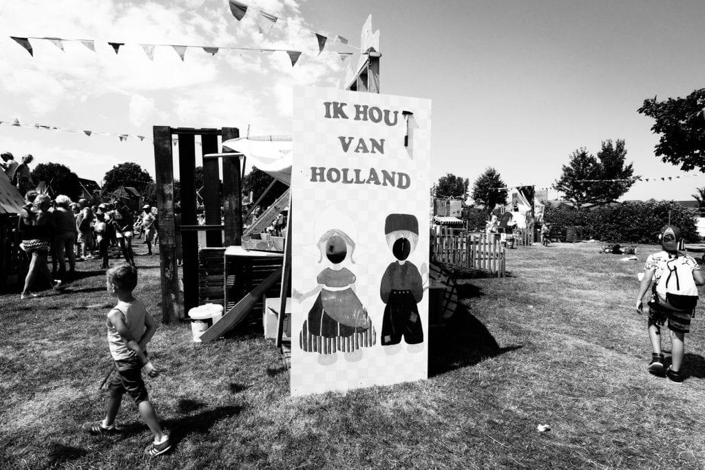 20-7-2015, Obdam Voor de Rabobank West-Friesland dichterbij fotografeerde ik het huttendorp in obdam.